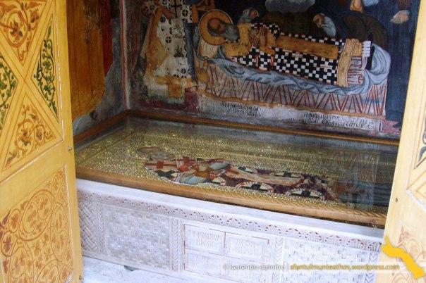 Mormântul Patriarhului Nifon al Constantinopolului de la Mănăstirea Dionisiu