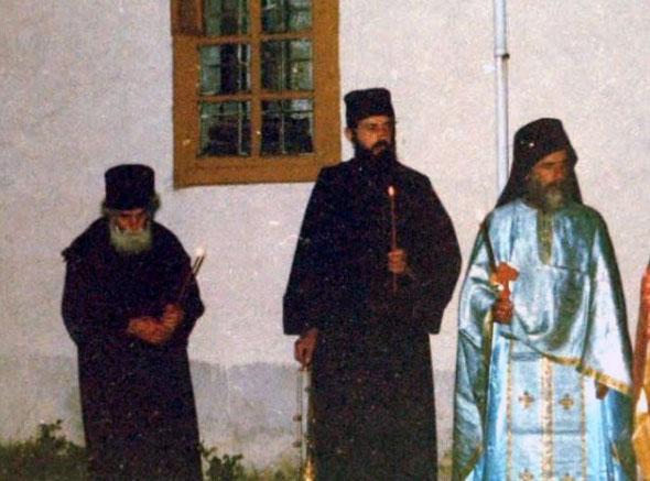Isaac-Părintele-Paisie-Aghioritul-Slujbă-de-Înviere-la-Chilia-Părintelui-Isaac